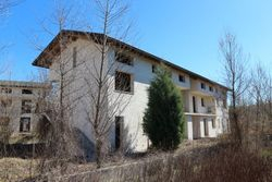 Unfinished residential complex - Lot 7037 (Auction 7037)
