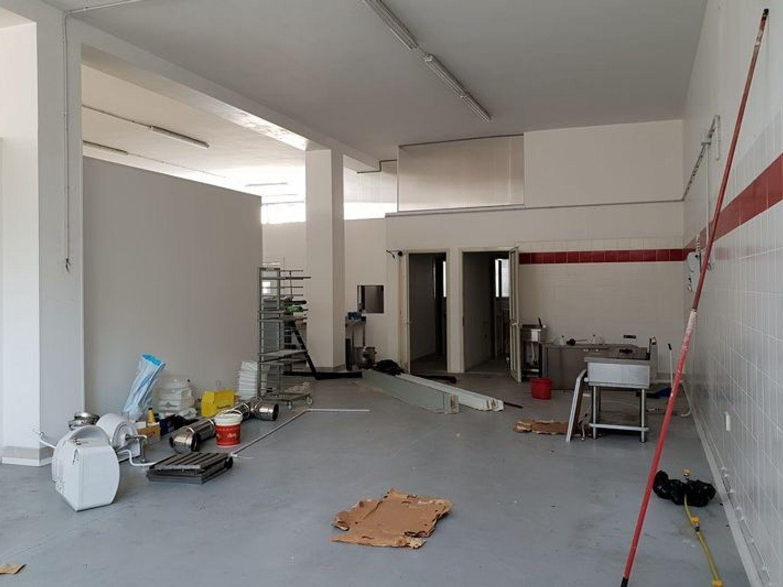 #7132 Laboratorio con corte privata (sub 13) e lastrico