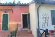 Immagine n1 - Appartamento al secondo piano di un'ampia Villa - Asta 7138