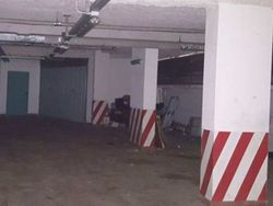 Posto auto coperto in edificio condominiale (Sub 520) - Lotto 7162 (Asta 7162)