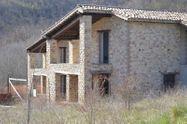 Immagine n0 - Villa indipendente al grezzo (map. 91 e 8) - Asta 7272