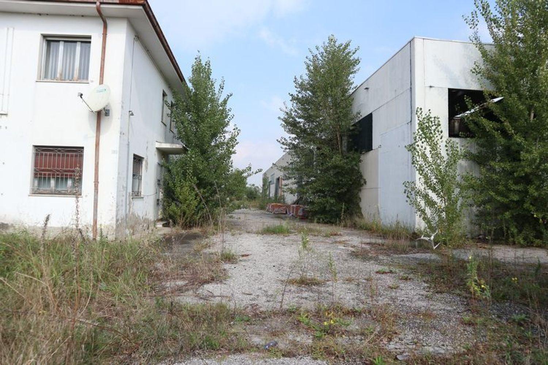 Immagine n. 10 - #7321 Complesso con 7 corpi fabbrica a destinazione industriale