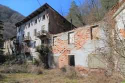 Abandoned accommodation and land - Lot 7331 (Auction 7331)
