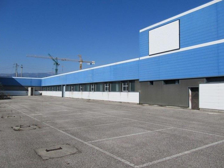 #7343 Complesso industriale con capannone, uffici e depositi