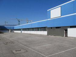 Complesso industriale con capannone, uffici e depositi