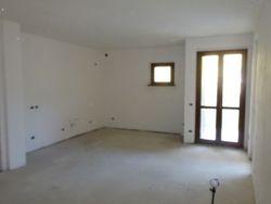 Appartamento con garage al grezzo (Sub 1,19)