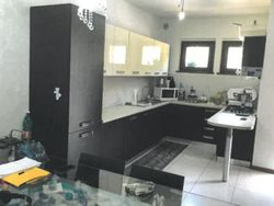 Apartment with garage in residential complex  Sub  .    - Lot 7377 (Auction 7377)