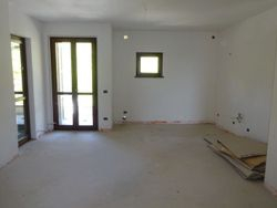 Unfinished apartment with garage  Sub   .    - Lot 7382 (Auction 7382)