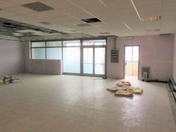 Craft workshop in a commercial complex  Sub     - Lot 7429 (Auction 7429)