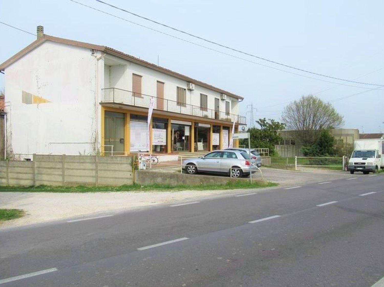 Immagine n. 7 - #7454 Complesso artigianale con uffici e terreni annessi