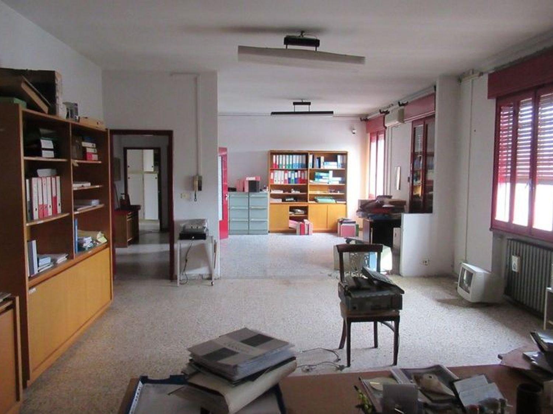 Immagine n. 14 - #7454 Complesso artigianale con uffici e terreni annessi