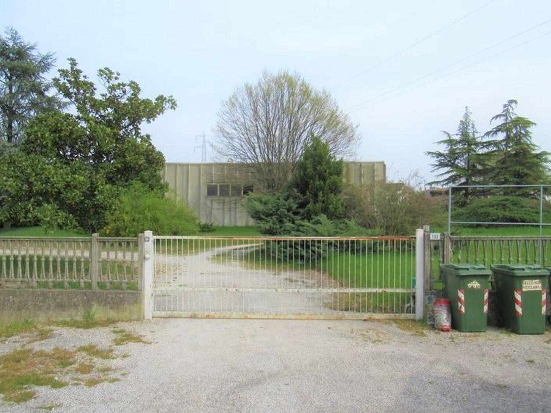 Immagine n. 5 - #7455 Capannone con laboratori artigianali ed area esterna