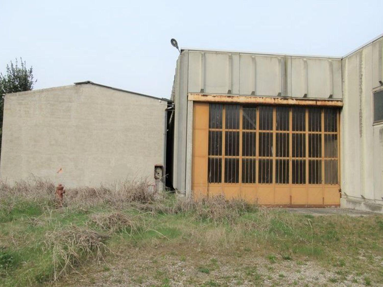 Immagine n. 7 - #7455 Capannone con laboratori artigianali ed area esterna