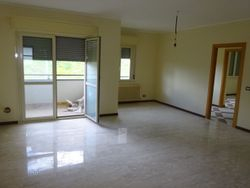Apartment with cellar and parking space  Sub  ,   ,     - Lote 7469 (Subasta 7469)