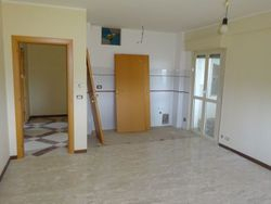 Apartment with cellar and parking space  Sub   ,   ,     - Lote 7470 (Subasta 7470)