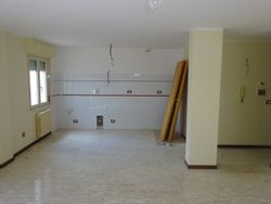 Apartment with cellar and parking space  Sub   ,   ,     - Lote 7472 (Subasta 7472)