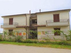 Edificio in costruzione composto da due palazzine e terreno - Lotto 7540 (Asta 7540)
