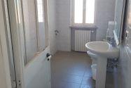 Immagine n10 - Bar con servizi e appartamenti sovrastanti - Asta 7542