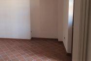 Immagine n5 - Negozio al piano terra in centro storico - Asta 7545