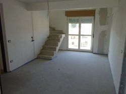 Apartment with garage  Sub   .    - Lot 7574 (Auction 7574)