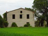 Immagine n1 - Casa colonica con terreni agricoli - Asta 7577