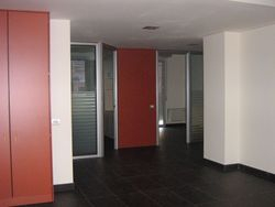 Office with garage in real estate complex - Lot 7579 (Auction 7579)