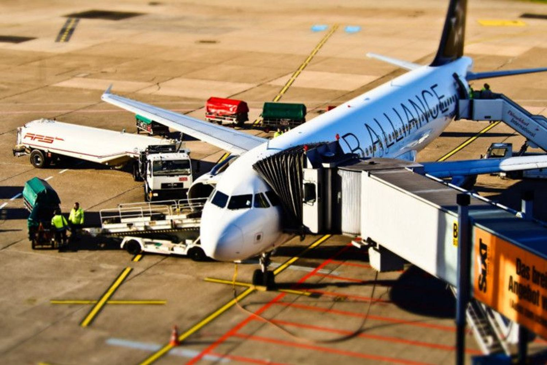 #7596 Numero 27.513 azioni di società aeroportuale