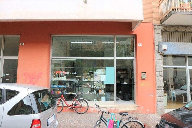 Immagine n. 1 - #7603 Negozio con vetrina (sub 27) in centro storico