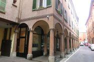 Immagine n0 - Monolocale in centro storico con posto auto e cantina - Asta 764