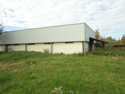 Fabbricato artigianale con alloggi e terreni - Lotto 7660 (Asta 7660)
