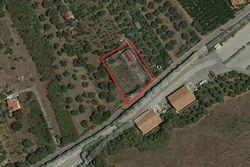 Quota 1/2 di terreno di 2070 mq con impianto sportivo
