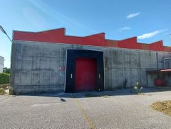 Portion of an industrial building of  ,    square meters - Lot 7715 (Auction 7715)