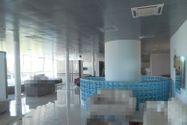 Immagine n4 - Sala de exposición del primer piso en un complejo comercial. - Asta 7747