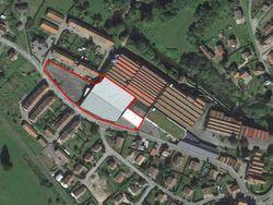 Capannone produttivo con uffici in Francia