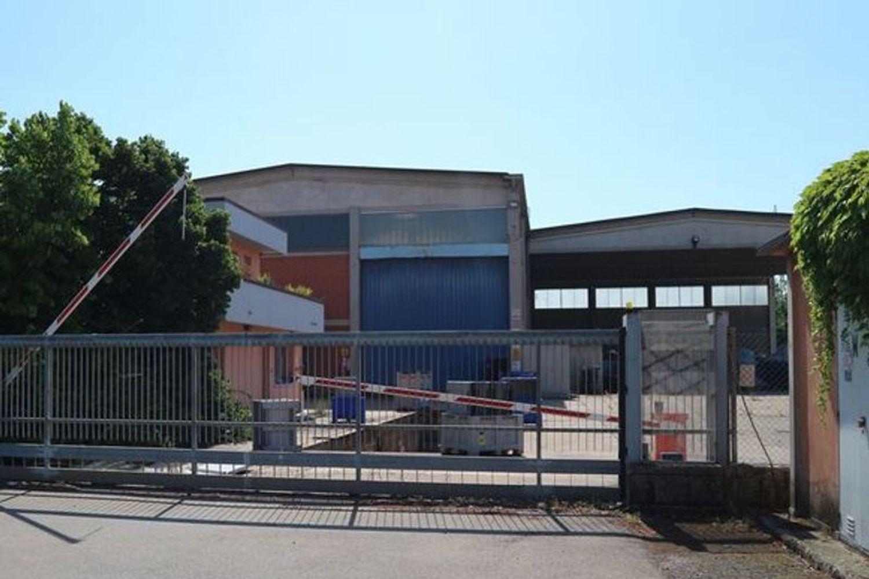 Immagine n. 1 - #7775 Capannone con palazzina uffici e piazzale