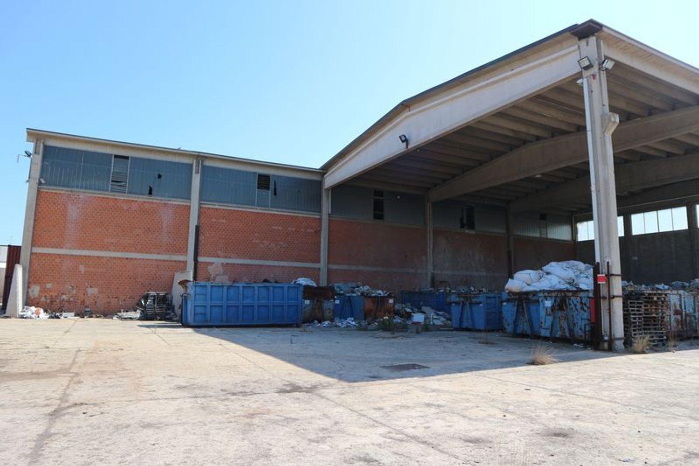 Immagine n. 3 - #7775 Capannone con palazzina uffici e piazzale