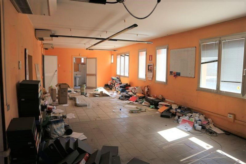 Immagine n. 9 - #7775 Capannone con palazzina uffici e piazzale