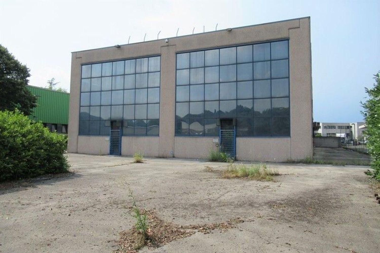 Immagine n. 2 - #7803 Capannone con laboratori, magazzini e uffici