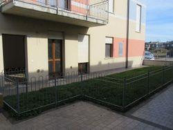 Appartamento con corte, garage e posto auto (sub 6)
