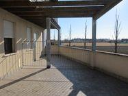 Immagine n0 - Bilocale al piano primo con garage e posto auto (sub 9) - Asta 7834