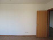 Immagine n3 - Bilocale al piano primo con garage e posto auto (sub 9) - Asta 7834