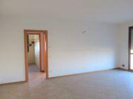 Immagine n5 - Bilocale al piano primo con garage e posto auto (sub 9) - Asta 7834