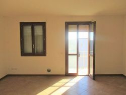 Appartamento al piano secondo con garage e posto auto (sub 12)