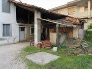 Immagine n0 - Deposito rustico con portico e fienile - Asta 784