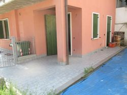 Appartamento con corte, posto auto e garage (sub 11)