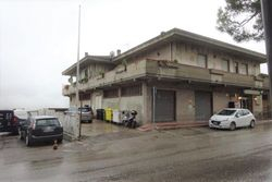 Store with warehouses - Lote 7847 (Subasta 7847)