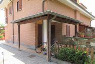 Immagine n1 - Porzione di villetta con corte e giardino - Asta 7867
