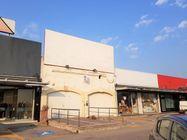 Immagine n9 - Struttura commerciale con locali attrezzati - Asta 7875