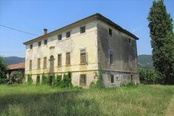 Villa storica settecentesca e terreno agricolo