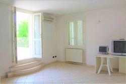 Appartamento con ampio terrazzo e posto auto - sub 18